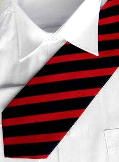 Silk tie with stripes