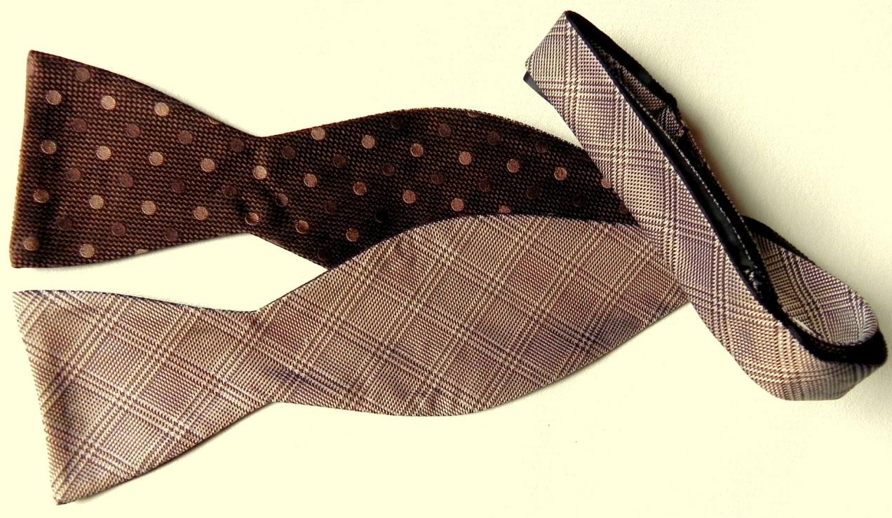 Self-tie silk bow tie.