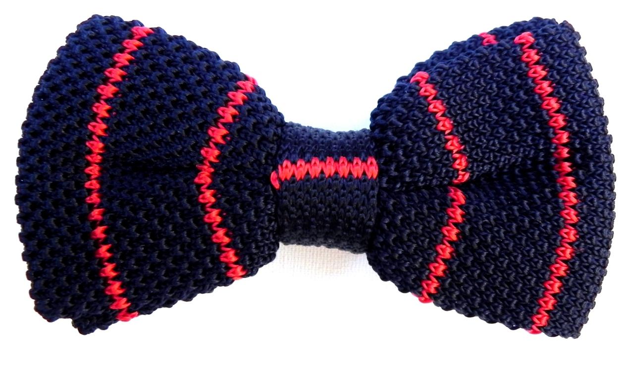 Knit silk bow tie.